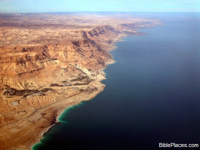 En_Gedi_and_Dead_Sea_cliffs_aerial_from_south,_tb_q010703